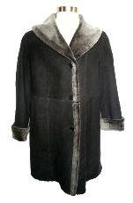 Spanish Merino Shearling Coat in black blist